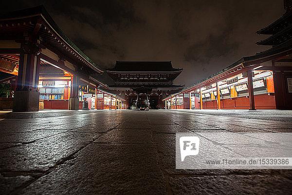 AsakUSA Kannon Temple at dusk