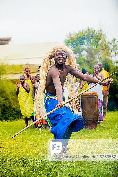 Dancers  Bwindi Impenetrable Forest National Park  Uganda  East Africa  Africa