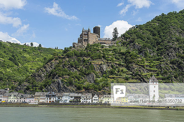 Castle Katz overlooking the Rhine and St. Goar  UNESCO World Heritage Site  Middle Rhine valley  Rhineland-Palatinate  Germany  Europe