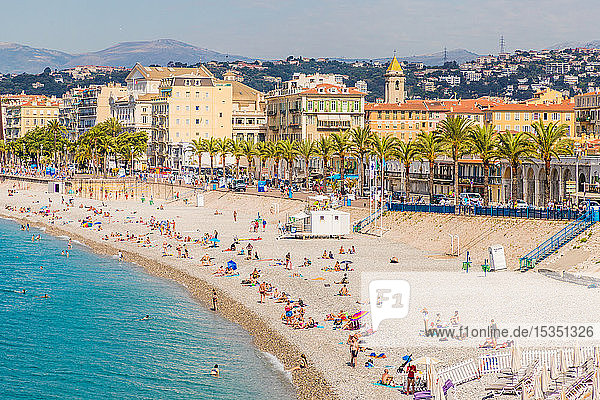 The beach on Promenade des Anglais in Nice  Alpes Maritimes  Cote d'Azur  Provence  French Riviera  France  Mediterranean  Europe