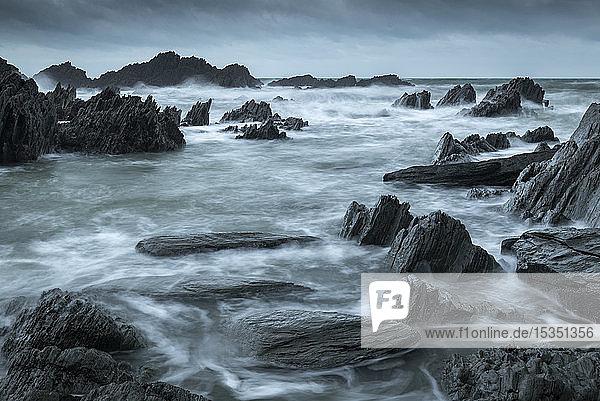 Rocky cove on the dramatic North Devon coast in winter  Devon  England  United Kingdom  Europe