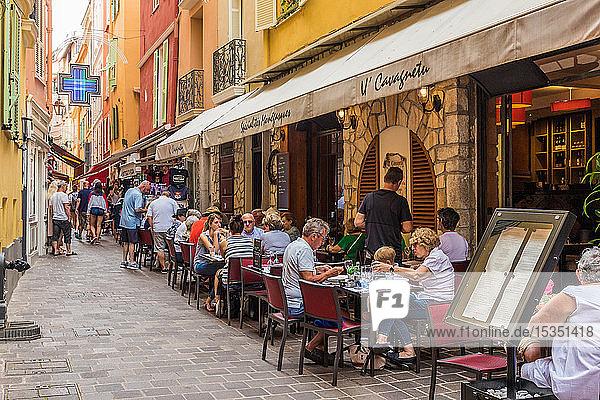 Cafe scene in Monaco Ville  old town  in Monte Carlo  Monaco  Cote d'Azur  French Riviera  Mediterranean  France  Europe