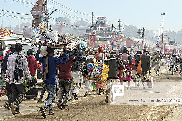 Pilgrims during the Allahabad Kumbh Mela  World's largest religious gathering  Allahabad  Uttar Pradesh  India  Asia