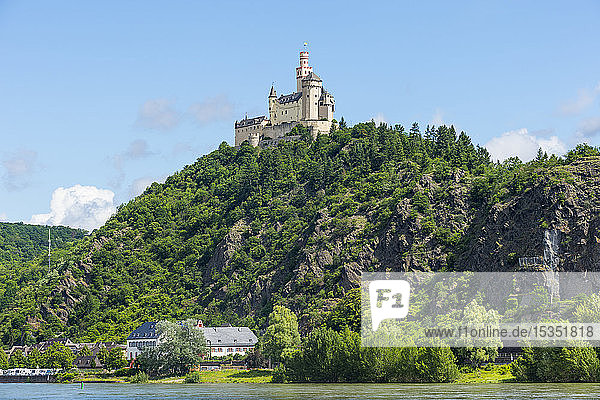 Marksburg overlooking the Rhine  UNESCO World Heritage Site  Middle Rhine valley  Rhineland-Palatinate  Germany  Europe