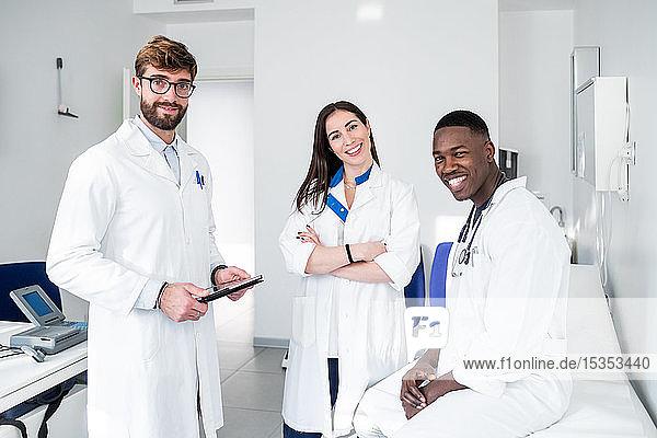 Ärzte im Sprechzimmer