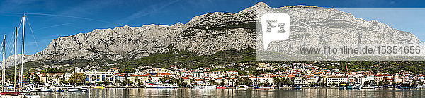 Panoramic view of Makarska's harbour  Makarska Riviera; Makarska  Dalmatia  Croatia