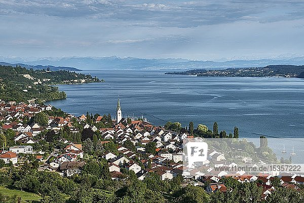 View over the Lake Constance  with the locality Sipplingen  on the horizon the Swiss Alps Lake Constancekreis  Baden-Württemberg  Germany  Europe