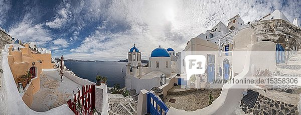 Kirchen  Panorama  Oia  Santorin  Griechenland  Europa