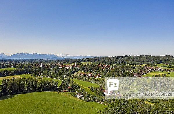 Ortsteil Beuerberg mit Kloster und Loisach  Eurasburg  Oberbayern  Bayern  Deutschland  Europa
