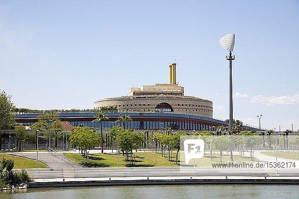 Gelände der Expo 92 am Fluss Guadalquivir  Isla de la Cartuja  Sevilla  Andalusien  Spanien  Europa