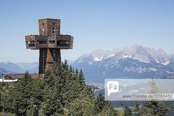 Aussichtsturm Jakobskreuz auf dem Gipfel der Buchensteinwand  Kitzbüheler Alpen  Tirol  Österreich  Europa