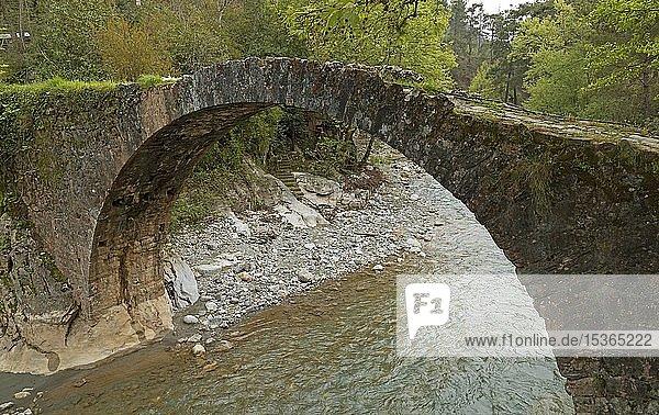 2000 Jahre alte Römerbrücke  bei Demirtas  Provinz Antalya  Türkei  Asien
