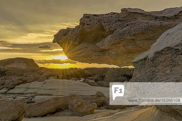 Felsenküste bei Agios Georgios  Paphos  Republik Zypern  Zypern  Europa