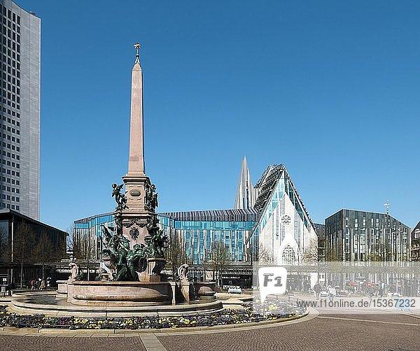 Mendebrunnen und Paulinum  Leipzig  Sachsen  Deutschland  Europa