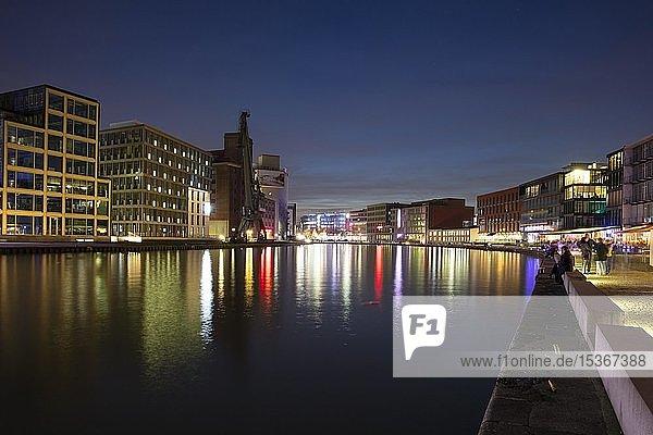 Stadthafen  Nachtaufnahme  Münster  Münsterland  Nordrhein-Westfalen  Deutschland  Europa
