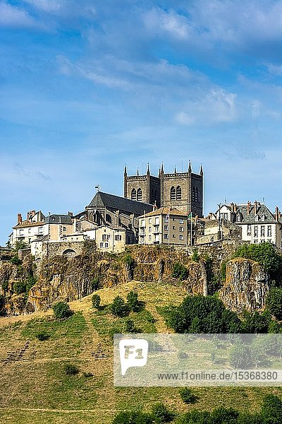 View on the city and the cathedral Saint-Pierre  Saint Flour  Cantal department  Auvergne-Rhone-Alpes  France  Europe