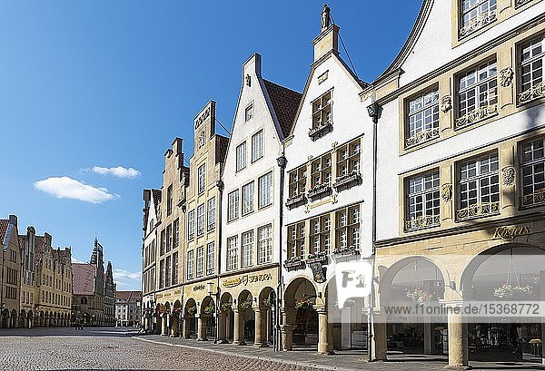 Historische Giebelhäuser am Prinzipalmarkt  Münster  Münsterland  Nordrhein-Westfalen  Deutschland  Europa