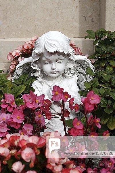 Engelsstatue  Friedhof  Glaube  Hoffnung