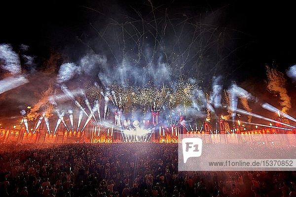 Technofestival New Horizons mit Feuerwerk  Nürburgring  Rheinland-Pfalz  Deutschland  Europa