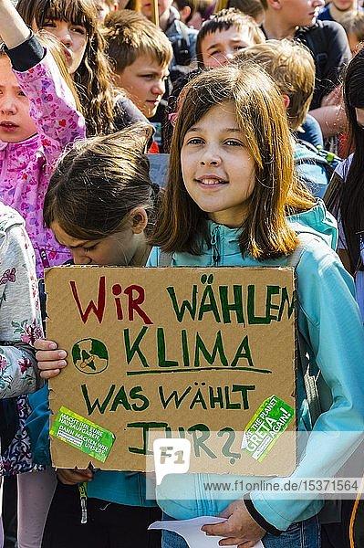 Demonstration von Schülern und Jugendlichen  Fridays For Future  24. Mai 2019  Köln  Nordrhein-Westfalen  Deutschland  Europa