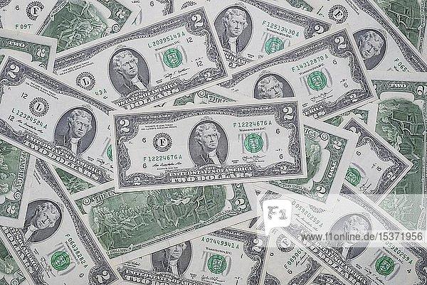 Viele US-amerikanische Banknoten  2 US-Dollar  ausgegeben zum 200. Jahrestag der Unabhängigkeitserklärung  USA  Nordamerika