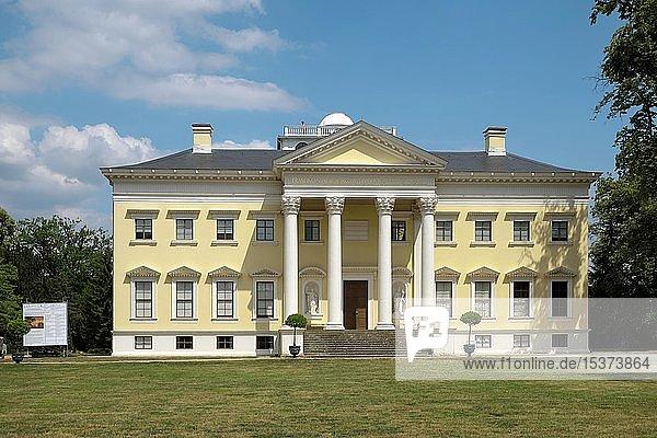 Schloss Wörlitz  Wörlitzer Park  UNESCO-Welterbe Gartenreich Dessau-Wörlitz  Dessau-Roßlau  Sachsen-Anhalt  Deutschland  Europa