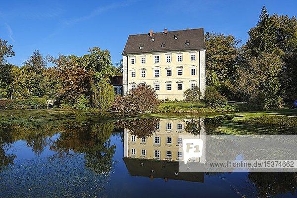 Schloss Erching  bei Hallbergmoos  Oberbayern  Bayern  Deutschland  Europa