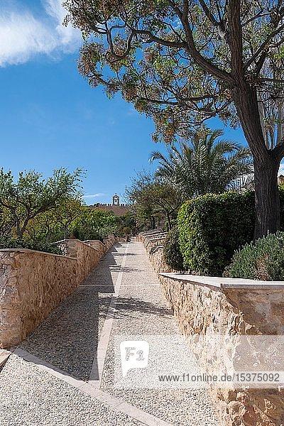 Gartenanlage  mittelalterliche Festung La Alcazaba de Almería  Andalusien  Spanien  Europa