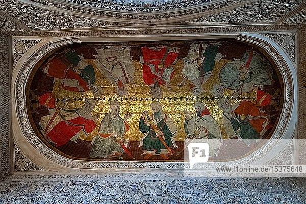 Versammlung von zehn islamischen Würdenträgern  Deckenmalerei  Sala de los Reyes  Saal der Könige  Nasridenpaläste  Alhambra  Granada  Andalusien  Spanien  Europa