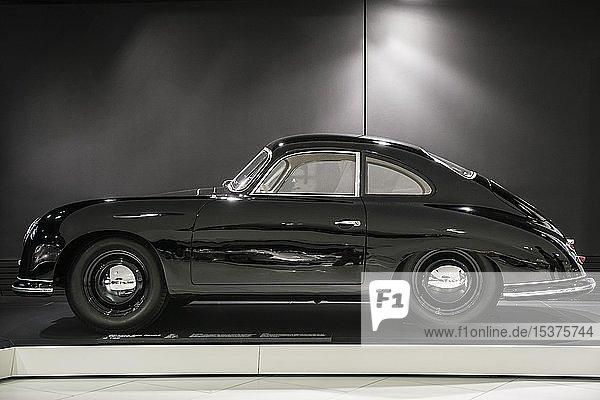 Porsche 356 Coupé Ferdinand  Porsche Museum  Stuttgart  Baden-Württemberg  Deutschland  Europa