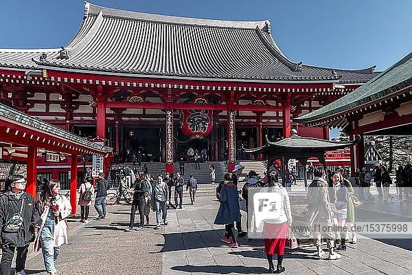 Buddhistische Tempelanlage  Asakusa Schrein oder Sens?-ji Tempel  Asakusa  Tokio  Japan  Asien