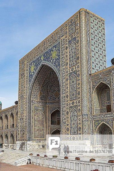 Tilya Kori Madrasai  Madrasa  Registan-Platz  Samarkand  Usbekistan  Asien