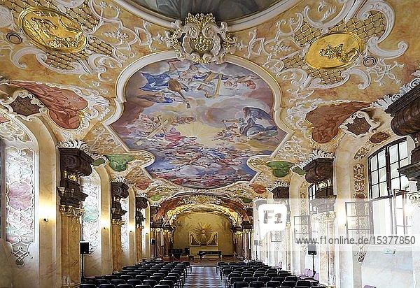 Oratorium Marianum mit Deckengemälde  Hauptgebäude der Breslauer Universität  Breslau  Polen  Europa