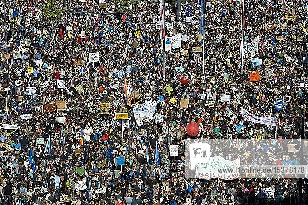 Crowd from above  demonstrators at the climate strike  demonstration 20.09.2019  fridays for future  Freiburg im Breisgau  Baden-Württemberg  Germany  Europe