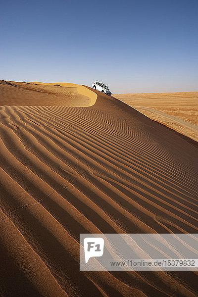 Sultanat Oman,  Wahiba Sands,  Dünenschlachten in einem SUV