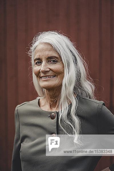 Porträt einer schönen älteren Frau