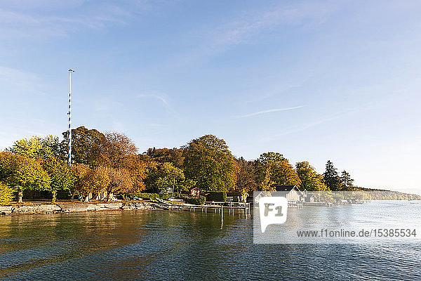 Deutschland  Bayern  Starnberger See  bei Ammerland  Fuenfseenland im Herbst