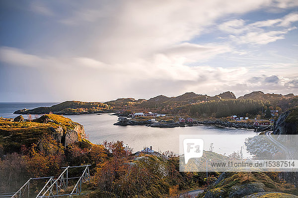 Norwegen  Lofoten  Nusfjord  Küste und Meer