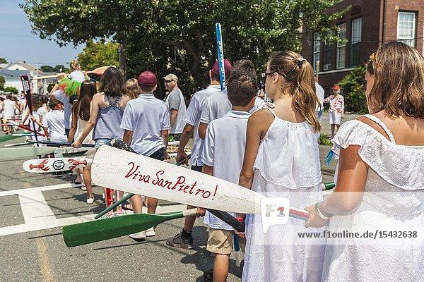 USA  New England  Massachusetts  Cape Ann  Gloucester  Saint Peters Fiesta  Traditional Italian Fishing Community Festival  saints prcession  carrying boat oars  NR.