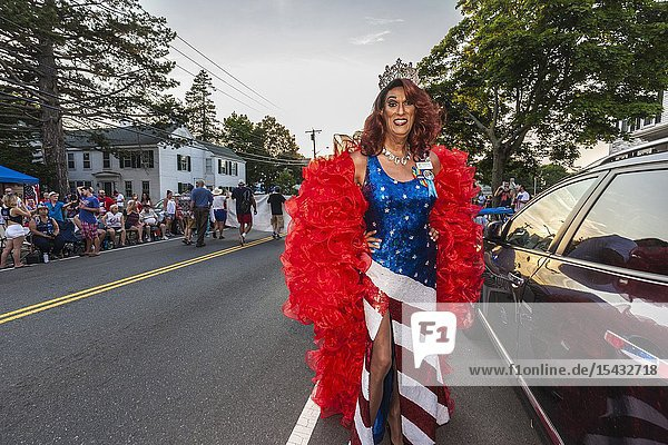 USA  New England  Massachusetts  Cape Ann  Gloucester  Gloucester Horribles Traditional Parade  July 3  Duchess Gigi  drag queen  NR.