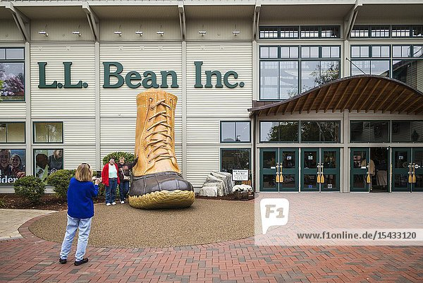 USA  Maine  Freeport  the LL Bean store  exterior of the famous outdoor store  NR.