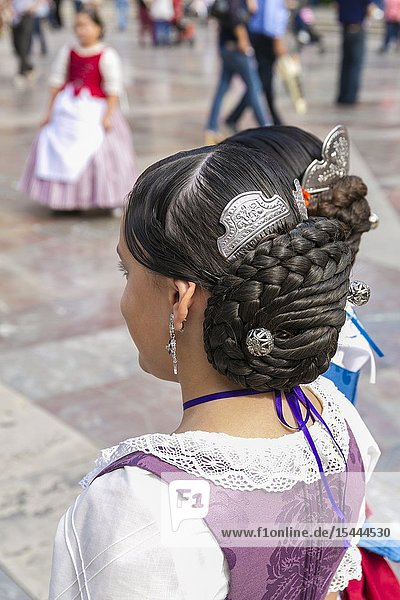 REgional costumes. Plaza de la Virgen Square. Valencia. Comunidad Valenciana. Spain.