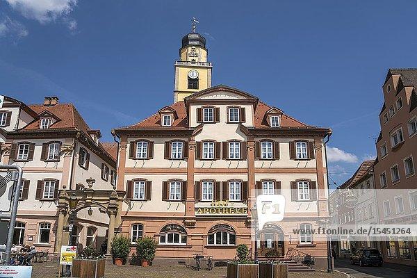 Hof-Apotheke am Marktplatz  Bad Mergentheim  Main-Tauber-Kreis  Baden-Württemberg  Deutschland   pharmacy Hof-Apotheke on market square  Bad Mergentheim  Main-Tauber-Kreis  Baden-Württemberg  Germany.