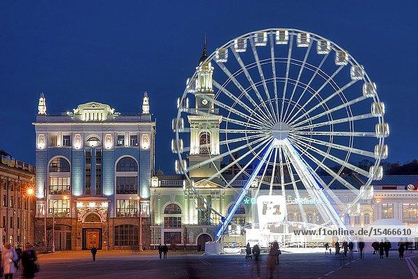 The ferris wheel in Kontraktova Square  Kiev  Ukraine.