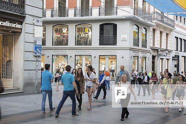 Shoppers on Preciados Street  Madrid  Spain.