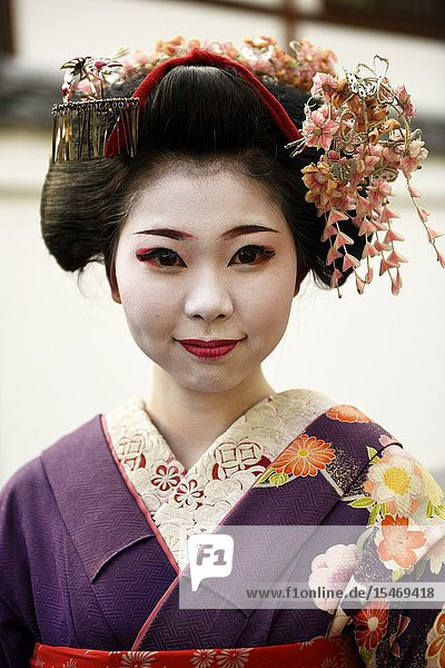 Japanese woman wearing traditional dress  Kyoto  Japan  Asia.
