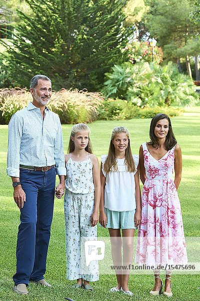 King Felipe VI of Spain  Queen Letizia of Spain  Crown Princess Leonor  Princess Sofia pose for the photograhers during Summer Photosession at Marivent Palace on August 4  2019 in Palma  Spain