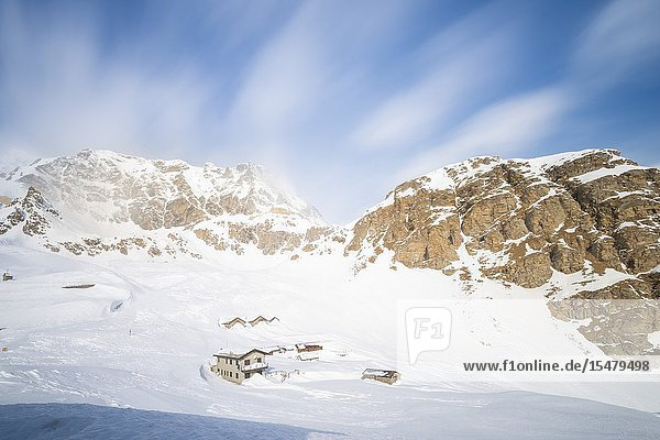 Houses at Serru  Valle dell Orco  Gran Paradiso National Park  Piedmont  Italian alps  Italy.