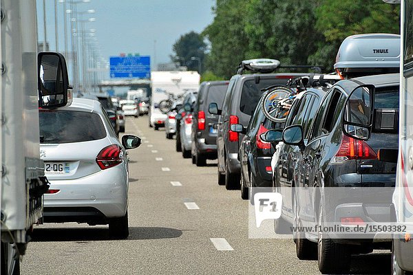 Stop and go traffic on French highway  motorway  holiday traffic in July  Southern France direction for San Sebastian  France  Europe