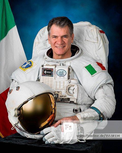 Expedition 52 crewmember ESA (European Space Agency) astronaut Paolo Nespoli in full spacesuit (EMU). Photo Date: January 12  2016. JSC NASA Photographer: Robert Markowitz